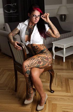 Tattoo Convention Model 2017 Crazy RedPrincess